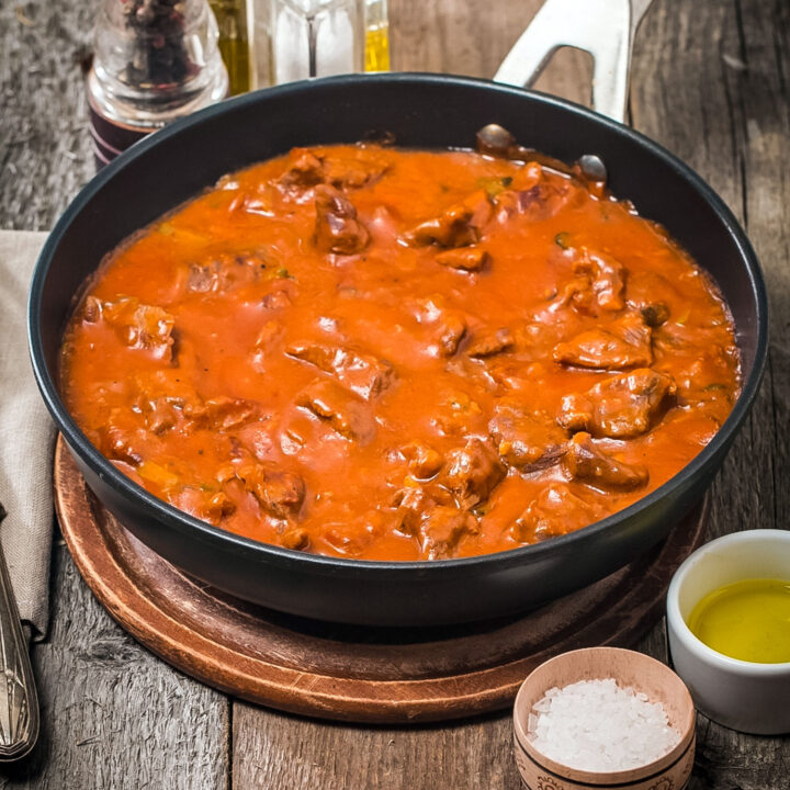 Carne Con Tomate Meat in Tomato Sauce Feature photo0