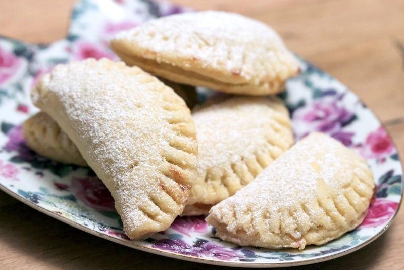 Mini Turnover Cookies With Jam1