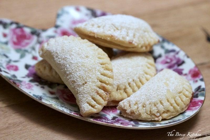 Mini turnover cookies with jam2