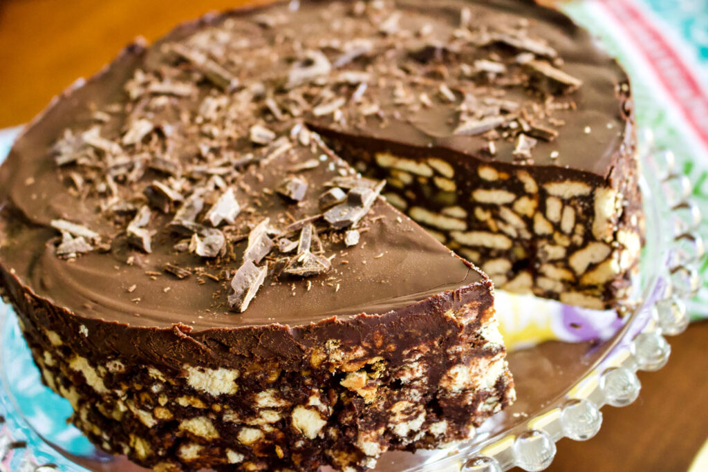 No Bake Chocolate Biscuit Cake0