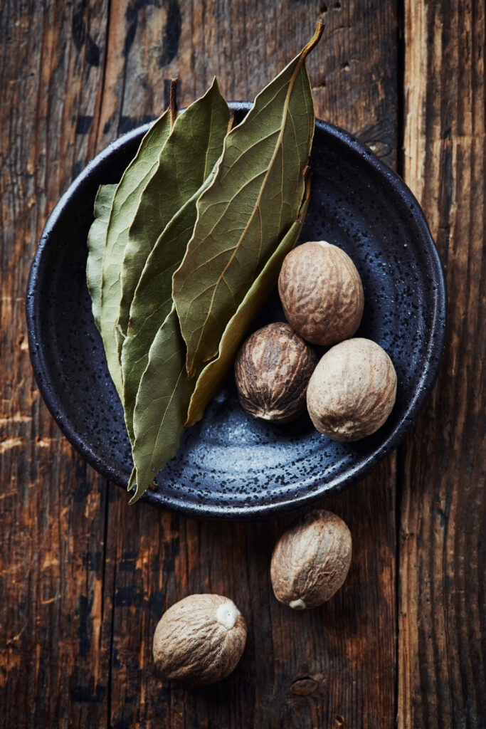 bay leaves with nutmeg