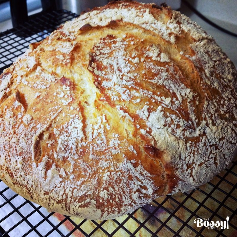 No Knead Bread- The simple way to make delicious bread from scratch. Easy to make, this bread will bring out the baker in you!