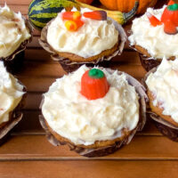 Pumpkin cupcakes with cream cheese frosting feature photo