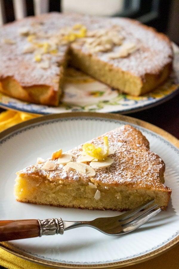 Spanish Almond Cake Recipe Tarta de Santiago featured picture