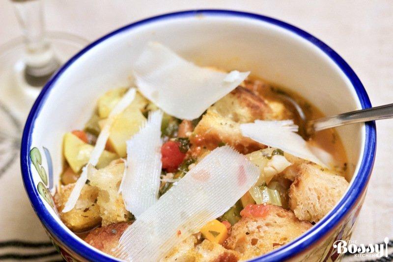 italian-ribbollita-soup-with-ground-pork