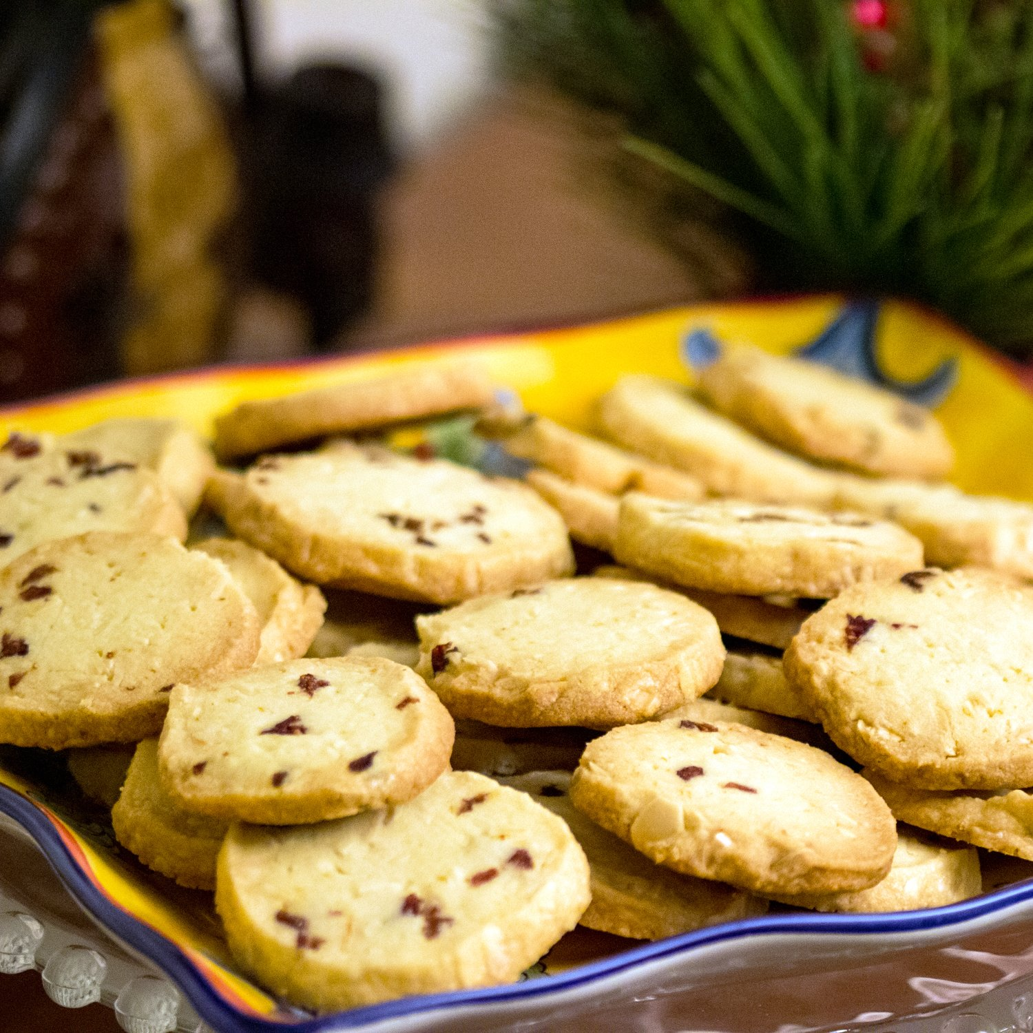 These almond-cranberry shortbread cookies remind us of the holidays. Perfect recipe for potlucks, cookies swap parties and any holiday event.