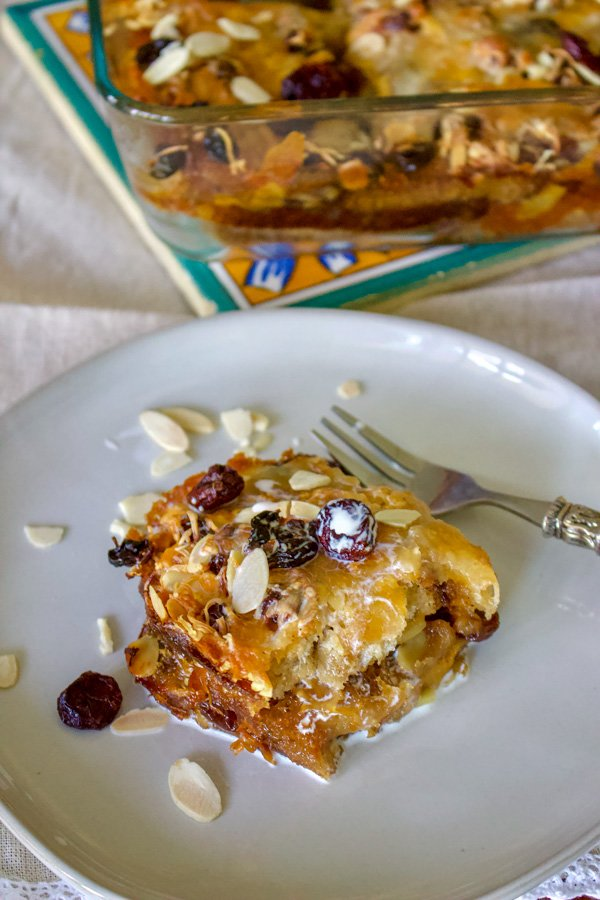 Authentic Mexican Capirotada- Bread Pudding is the Mexican version of the so popular bread pudding that you can find in many cuisines. This Capirotada is traditionally eaten during Lent, before Easter but you can also make it all year round. It is good for parties, holidays or Sunday meals in the family.