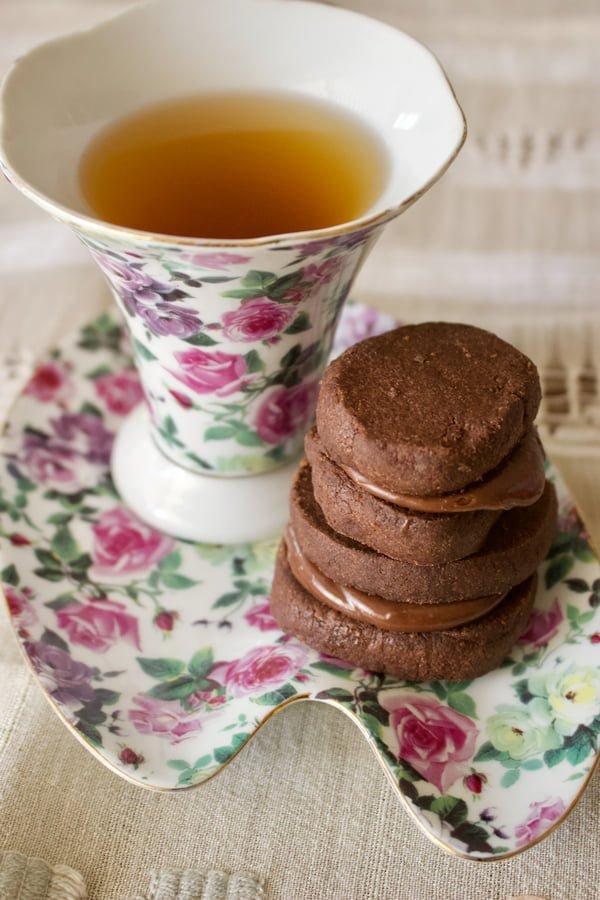 Chocolate Cookies with Earl Grey Ganache3