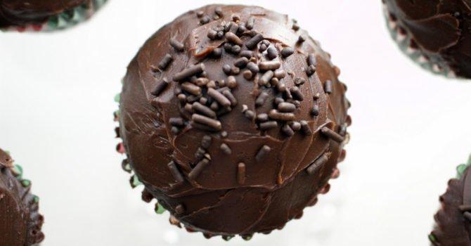 Chocolate Cupcakes With Rum Chocolate Ganache