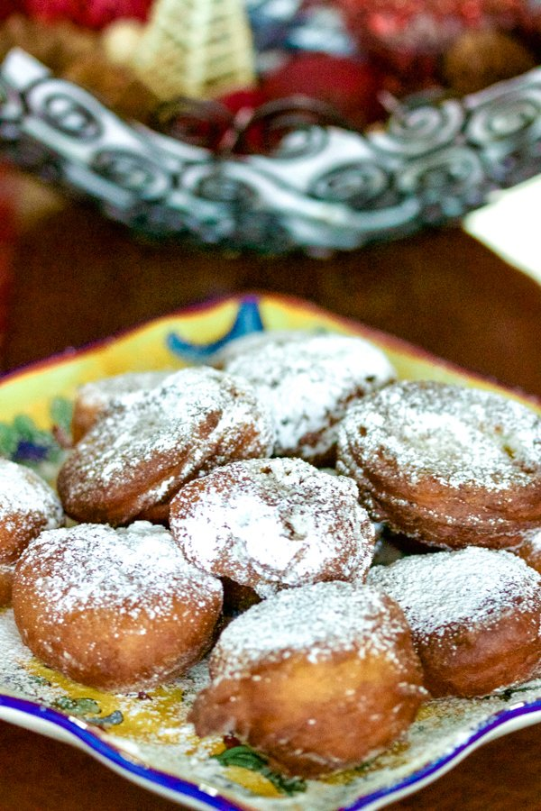 This recipe of easy banana doughnuts is an awesome way to use ripe bananas that are sitting around. It is also a great recipe to put together for a brunch. Are you a grandma and kids are coming over for a visit? Make these!