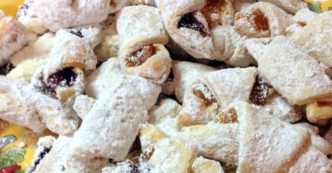 Jam And Walnuts Rugelach (Cornulete Cu Gem)