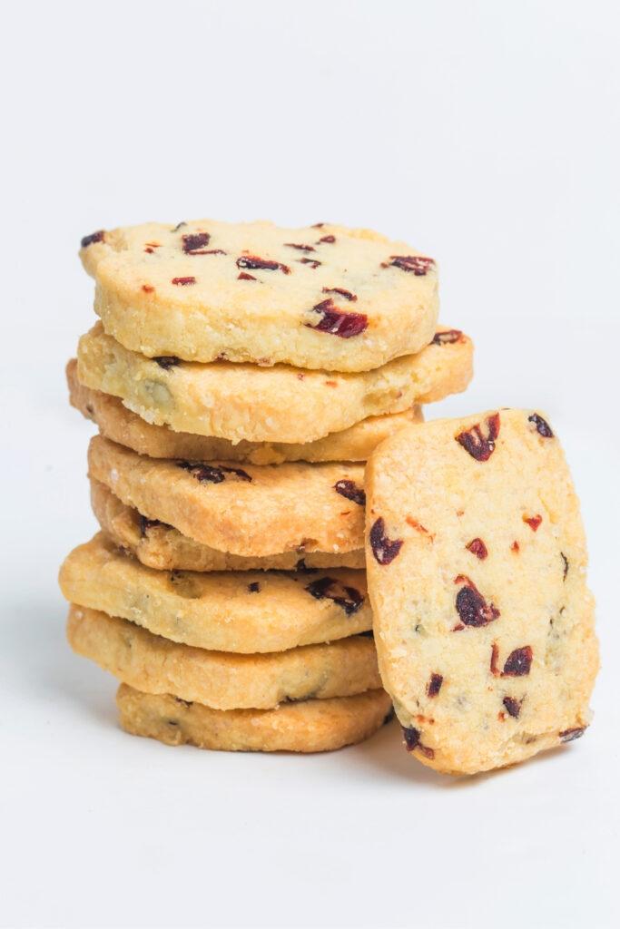 almond cranberry shortbread cookies