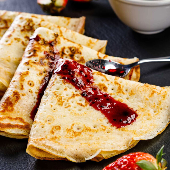 Crepes with jam Square0