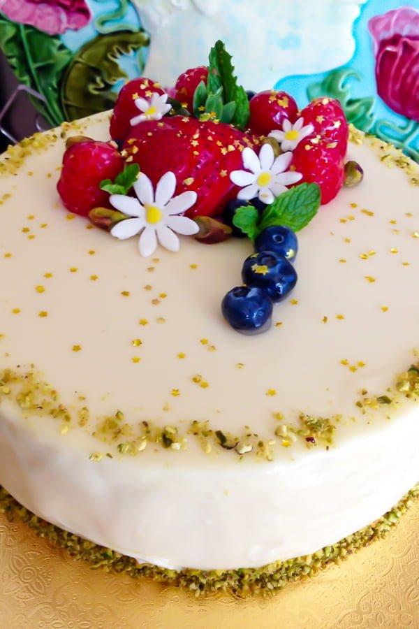 White Chocolate Hazelnuts Dacquoise Cake11