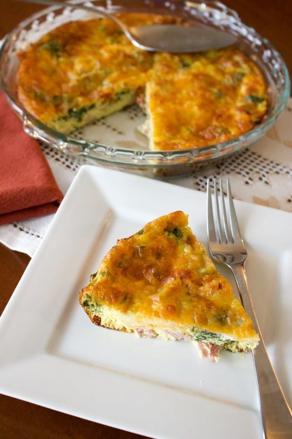 Crustless-Spinach-with-Smoked-Meat-and-Gouda-Cheese-Quiche