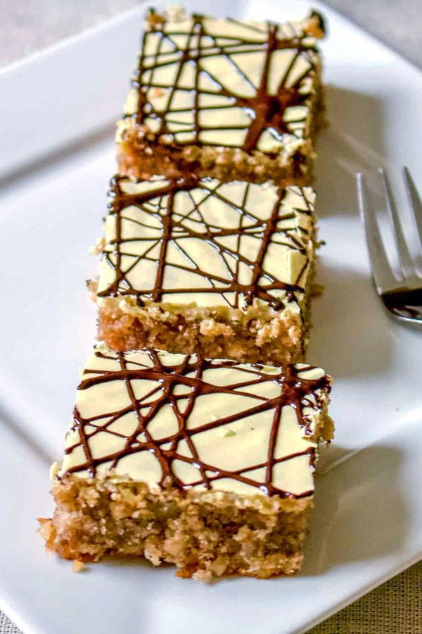 This is a very old family recipe and a popular one in Transylvania. This cake is known as the