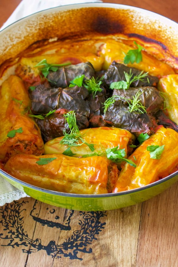 Stuffed peppers (Ardei Umpluti) are a favorite meal in many parts of the world. They are easy to make and delicious. This is a Romanian recipe.