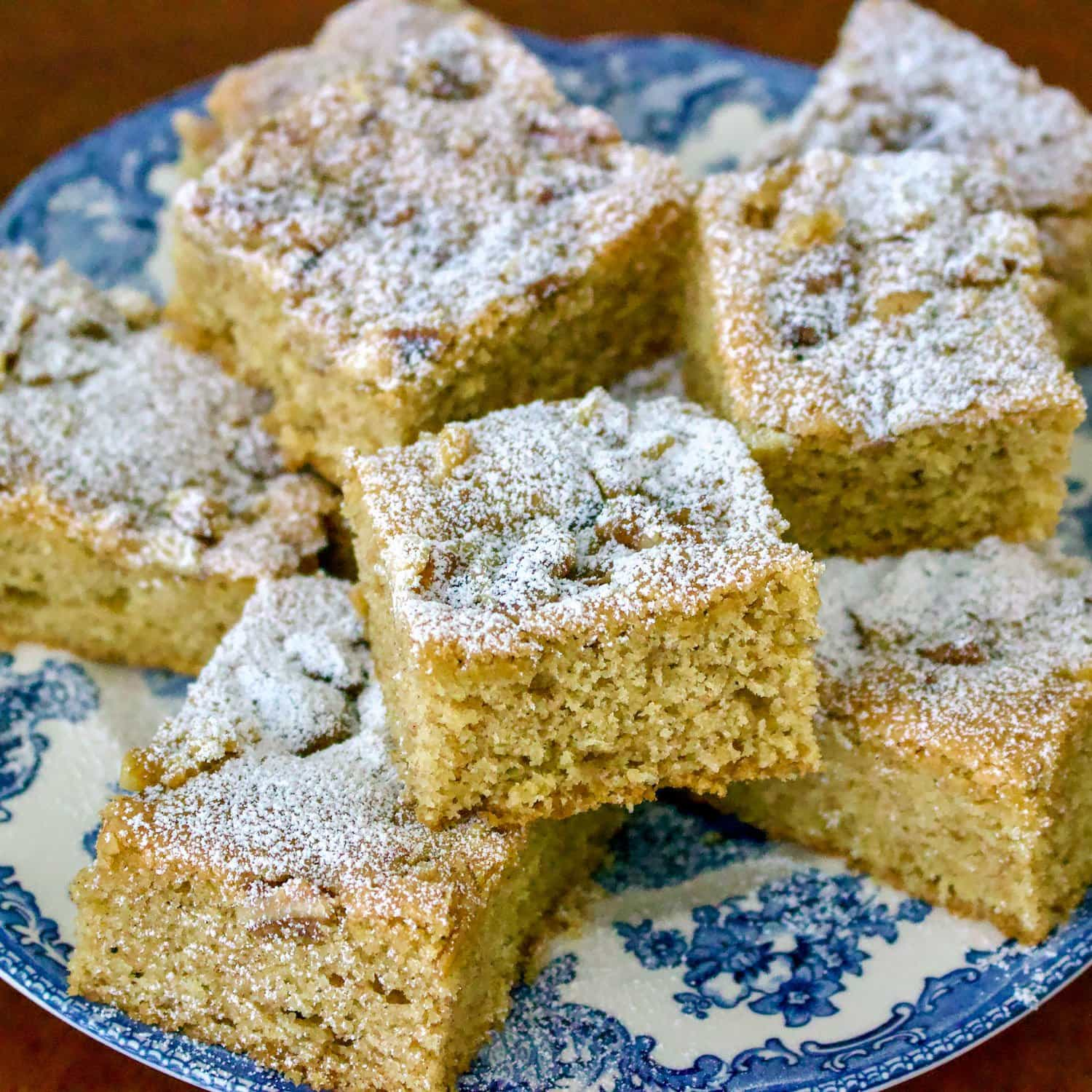 Walnuts And Cinnamon Coffee Cake