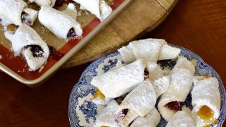 Jam Crescent PastriesCornulete cu gem