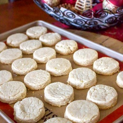 Polvorones Con Limon- Traditional Spanish Christmas Cookies