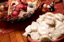 Polvorones Con Limon Traditional Spanish Christmas Cookies3