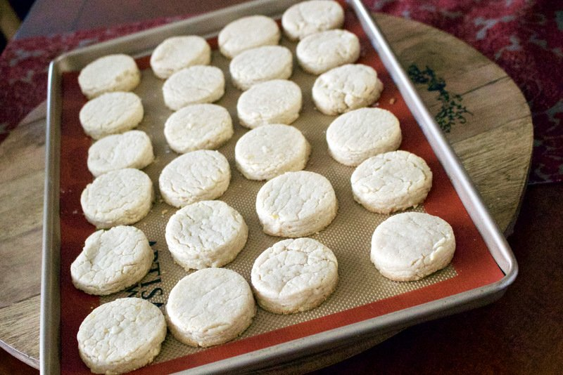 baked polvorones on baking tray