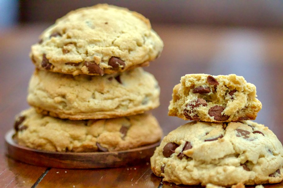 The best chocolate chip and walnuts cookies recipe out there! This might be a keeper for some of you if you like soft cookies inside and crunchy outside.