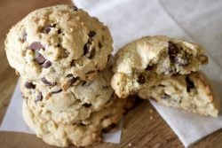 The Best Chocolate Chip And Walnuts Cookies4