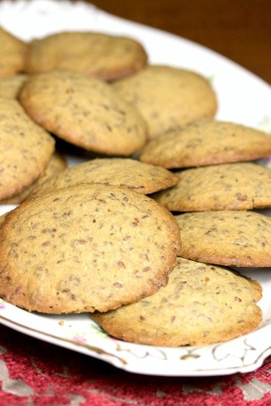 Linseed Cinnamon Cookies on an oval platter