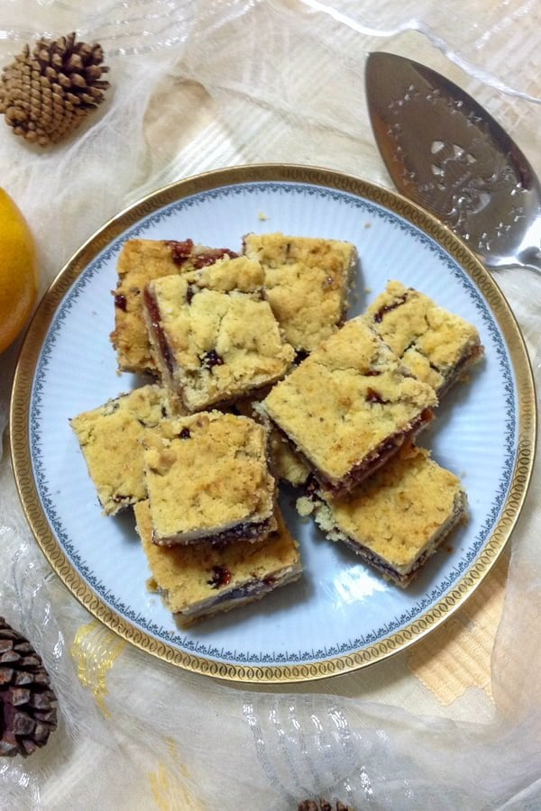 These Czech bars with jam and walnuts are inspired from the Commemorative Cookbook of the Episcopal Church in Minnesota.