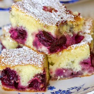Pound Cake with Fruits and Almond Flakes14