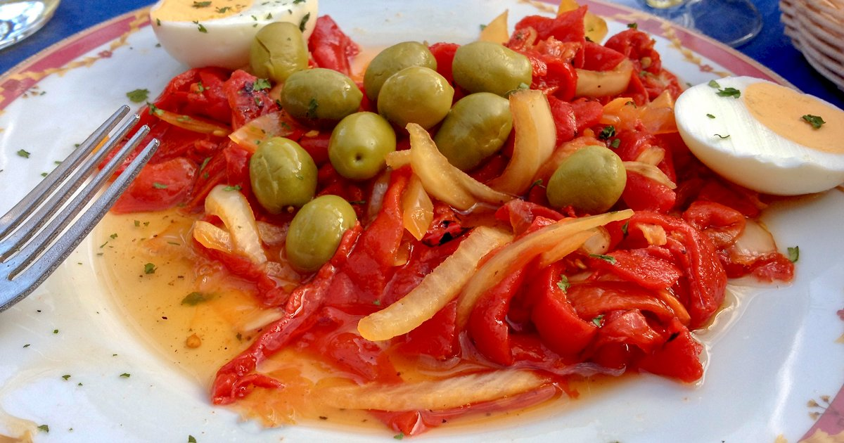 Roasted Red Pepper Spanish Salad1