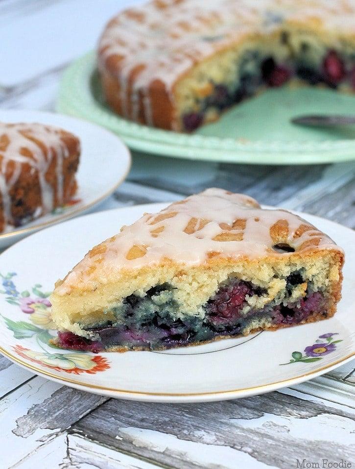 Berry Coffee Cake Recipe with Vanilla Glaze