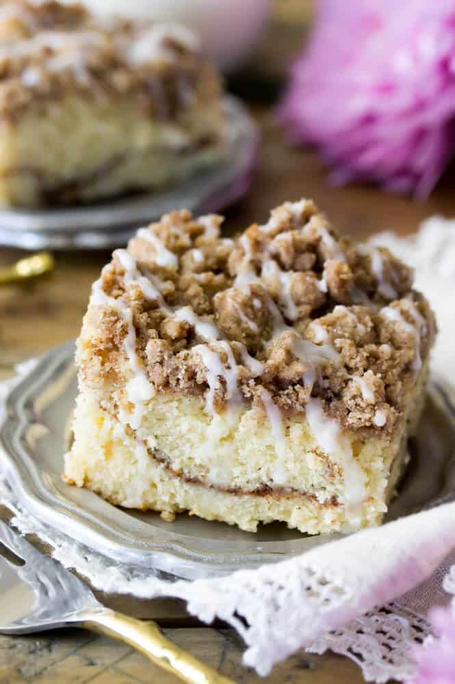 My favorite Cinnamon Coffee Cake recipe! It's so soft!    SugarSpunRun