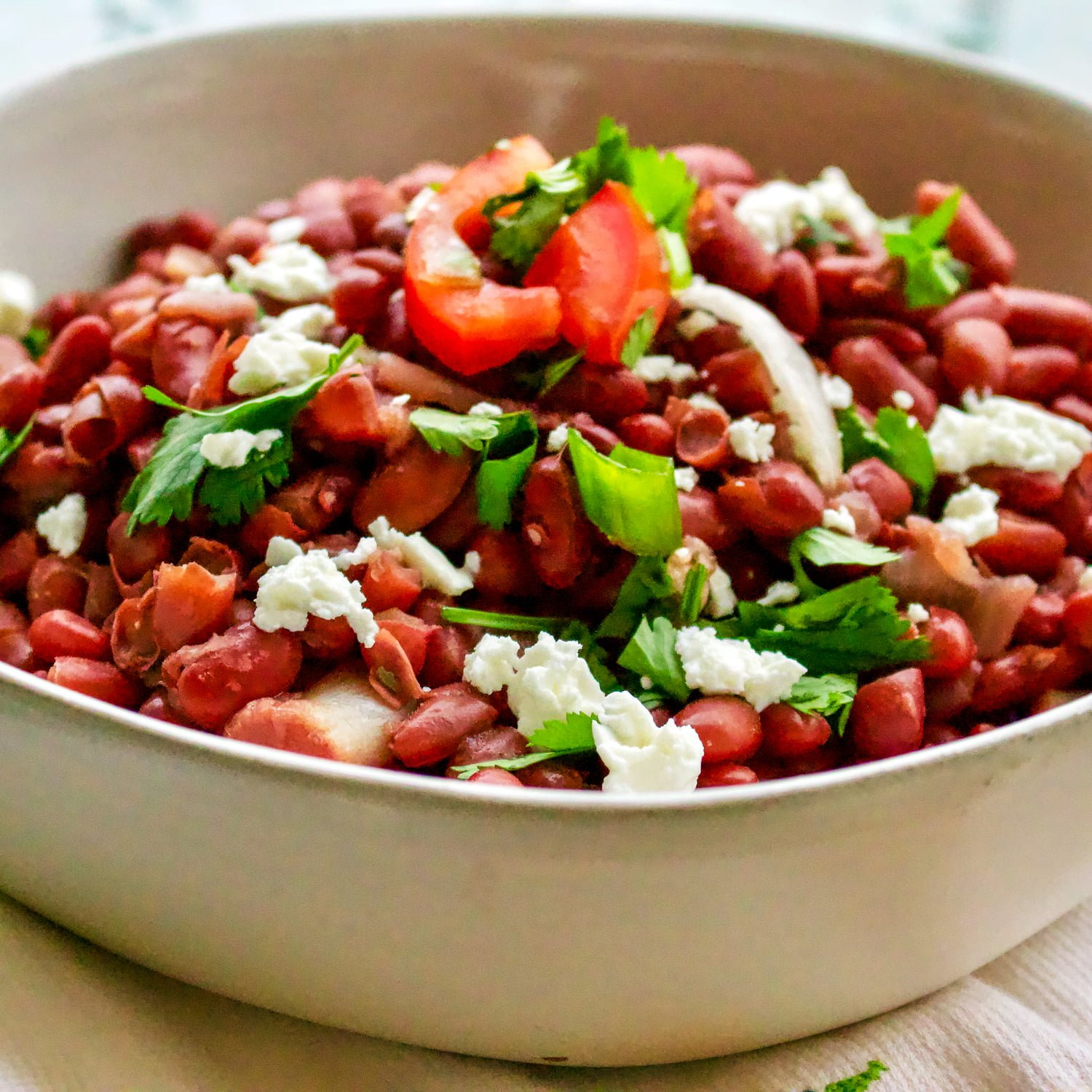 Authentic Traditional Mexican Beans- Frijoles Autenticos Mexicanos- basic, authentic traditional Mexican beans recipe. The dish is nutritious, easy to make and so traditional that cannot miss from a respectable Mexican table. A staple in the Mexican cuisine, this dish is a real comfort food.