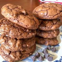 Easy Dark Chocolate Walnut Cookies