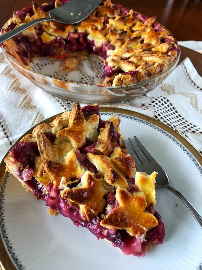 apples and berries pie