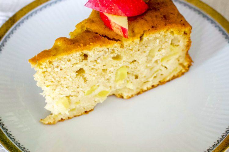 German Riesling Apple Cake