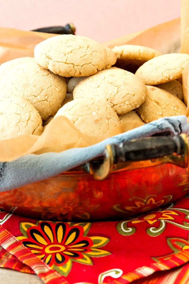 This ghoriba bahla recipe is a Moroccan shortbread flavored with toasted sesame seeds and ground, fried almonds. Not too sweet, and delightfully crumbly and sandy, this is the perfect cookie recipe paired with tea or coffee. Enjoy!   pastrychefonline.com