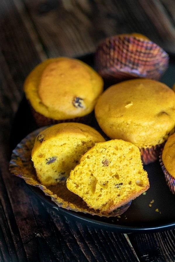 Easy Pumpkin Muffins Recipe- featured picture
