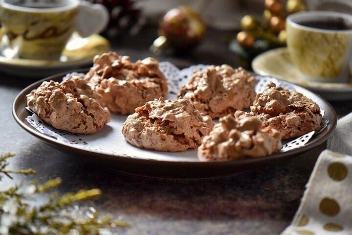 Bruttiboni: Italian Meringue Cookies