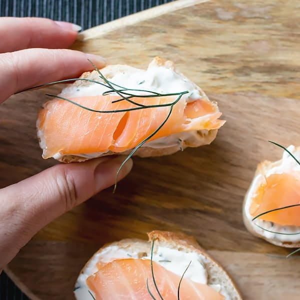 Smoked Salmon Appetizer Bites with Dill Sour Cream