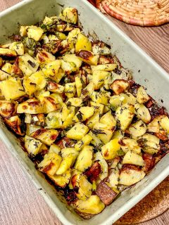 Roasted potatoes with green garlic44
