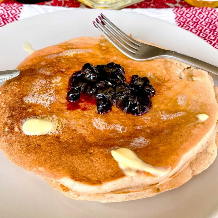Easy Banana Buttermilk Pancakes99