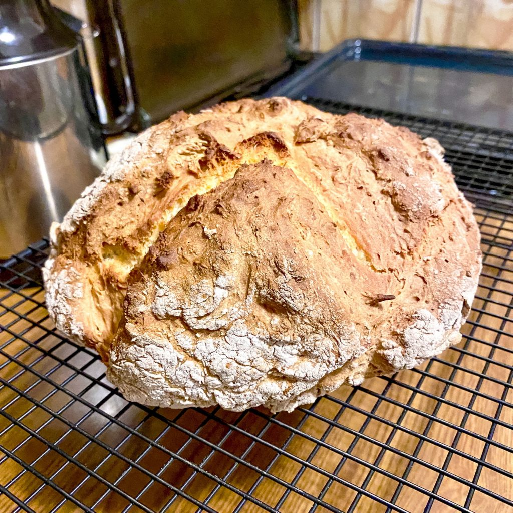 NO YEAST BREAD (SODA BREAD WITH 4 INGREDIENTS)