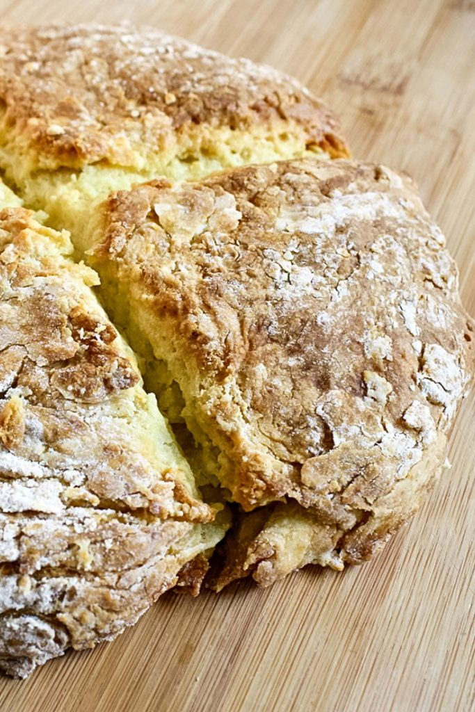 No yeast bread(Soda Bread with 4 ingredients) - featured picture Pinterest