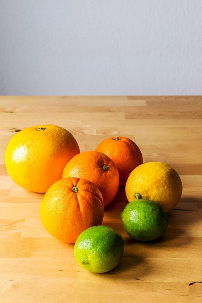 Citrus fruit on table0