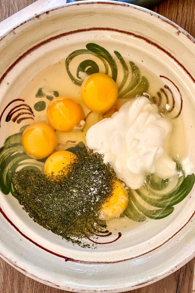 eggs sour cream dill