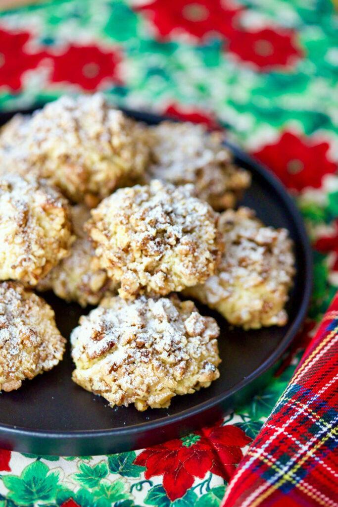 Walnut Shortbread Cookies Christmas arrangement0